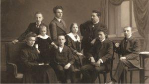 Maler Bielefeld: Nach dem Tod von Hugo Stenner übernimmt Elise Stenner im Jahr 1918 den Malerbetrieb