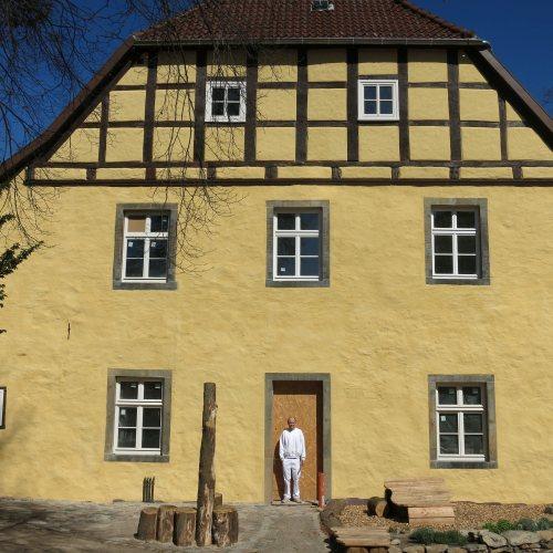 Maler Bielefeld, Denkmalpflege: Burgmannshof in Lübbecke, Gesamtsanierung der Fassaden mit Kalkputz und Silikatanstrichen durch Stenner und Keitel