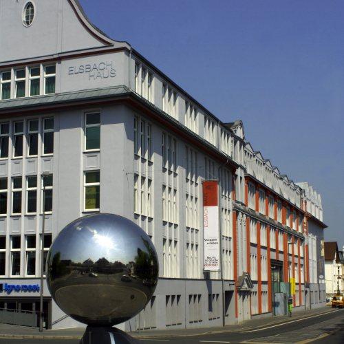 Maler Bielefeld, Denkmalpflege: Farbkonzept und Ausführung mit Silikatfarben am Elsbach-Areal in Herford durch Stenner und Keitel