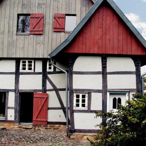 Maler Bielefeld, Fassaden-Sanierung einer Fachwerkfassade in Bad Salzuflen durch Stenner und Keitel