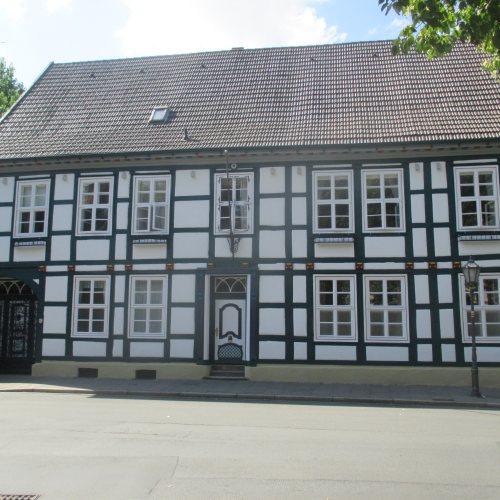 Maler Bielefeld, Fassaden-Sanierung einer Fachwerkfassade in Herford durch Stenner und Keitel