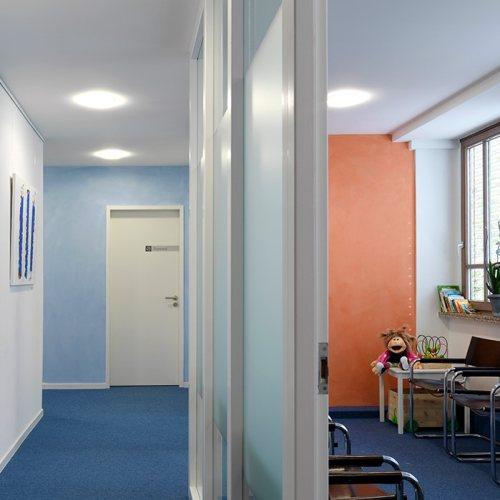 Maler Bielefeld, Innenraum: Wartezimmer einer gynäkologischen Praxis