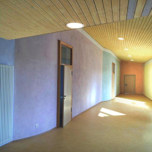 Maler Bielefeld, Innenraum: Lasurfarbgestaltung eines Schulflures